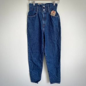 NWT LEVI'S 80's High Rise Paperbag Taper Jeans 25